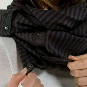 Lululemon vinyasa rulu scarf